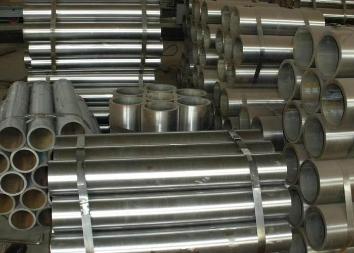 Tubo in acciaio senza saldatura ST37.4 EN10305